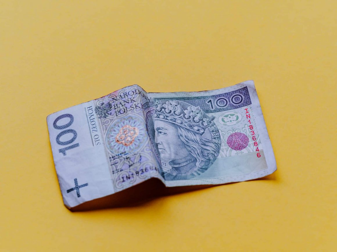 перевести деньги из польши в украину недорого быстро