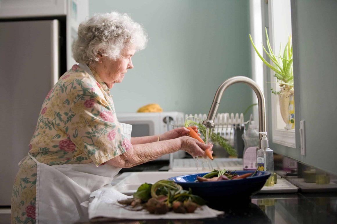 варшава пенсионеры еда