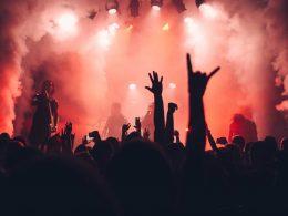 Отмена концертов в Варшаве