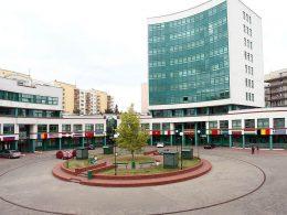 uczelnia łazarskiego