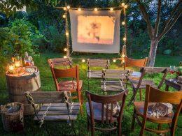 Уже 20 мая стартует сезон летних кино-показов в Chono Lulu Bistro & Bar! Фильмы, музыка, звезды и зелень для всех.