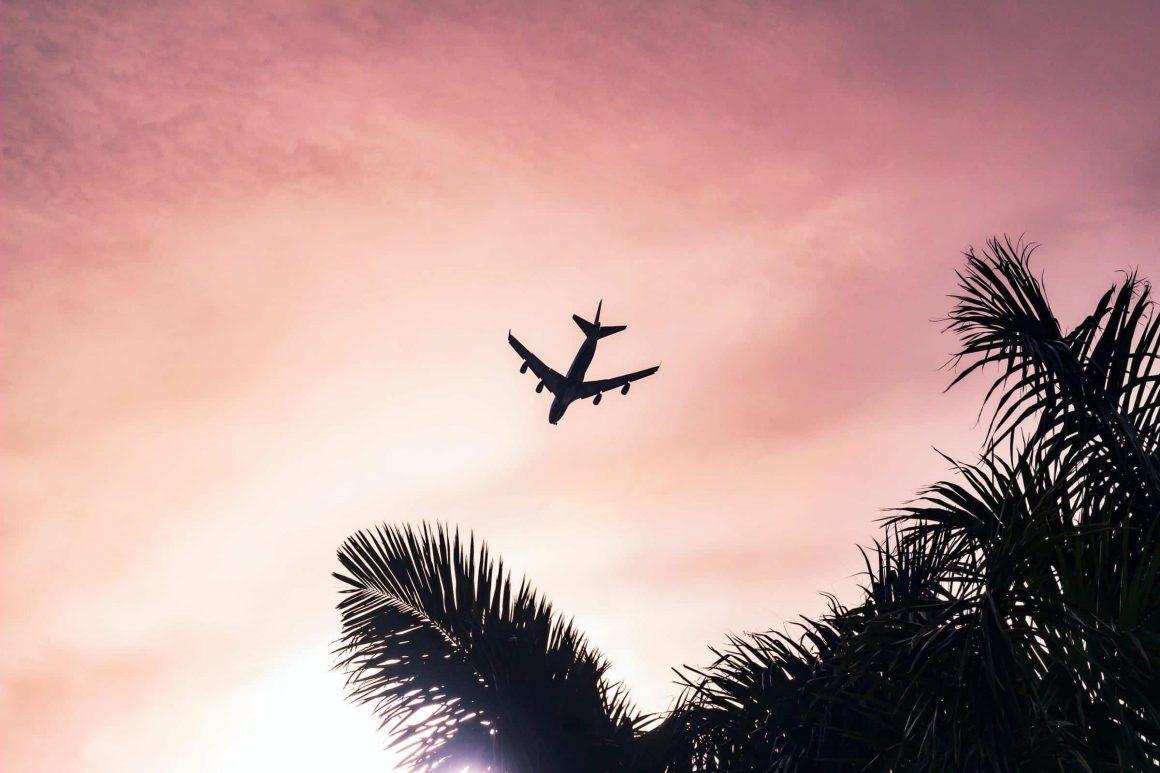 Польша возобновляет международное авиасообщение
