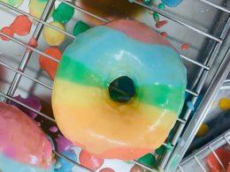 Радужные пончики в Варшаве