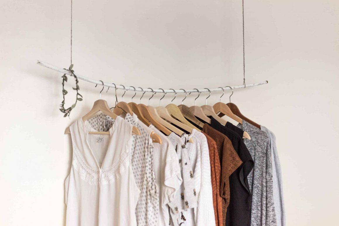 где продать одежду варшава