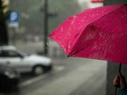 Несмотря на хорошую погоду утром, Институт Метеорологии и Водного хозяйства предупреждает о приближении бури с градом к Варшаве и ее периферии.