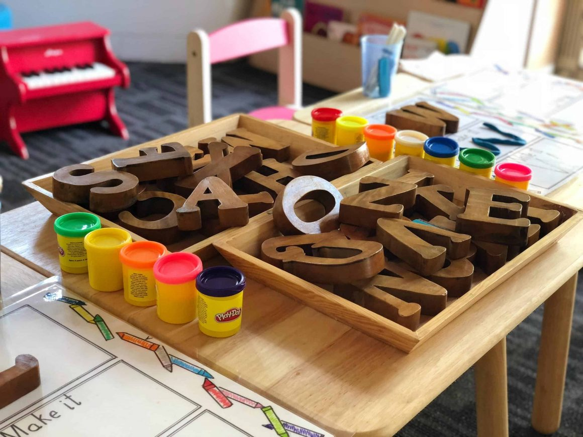 С января, в варшавские детские сады не будут принимать детей, не прошедших обязательную вакцинацию. Один из родителей попытался оспорить решение в суде.