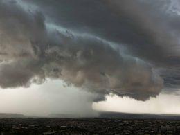 В Варшаве объявлен первый уровень опасности, буря, ливни и сильные порывы ветра