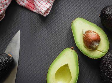 Один из варшавских ресторанов отказывается добавлять в свои блюда авокадо. Все из-за того, каким образом сейчас добываются эти плоды.