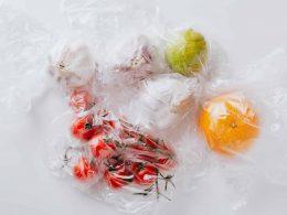 Жабка отказывается от пластиковых пакетов