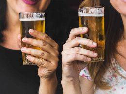 Алкоголь – лекарство от пандемии? В Польше побит рекорд по продажам спиртного