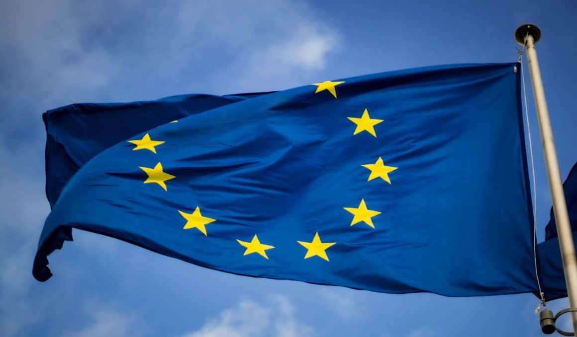 88% опрошенных в рамках анкетирования United Surveys считают, что Польша должна остаться членом ЕС.