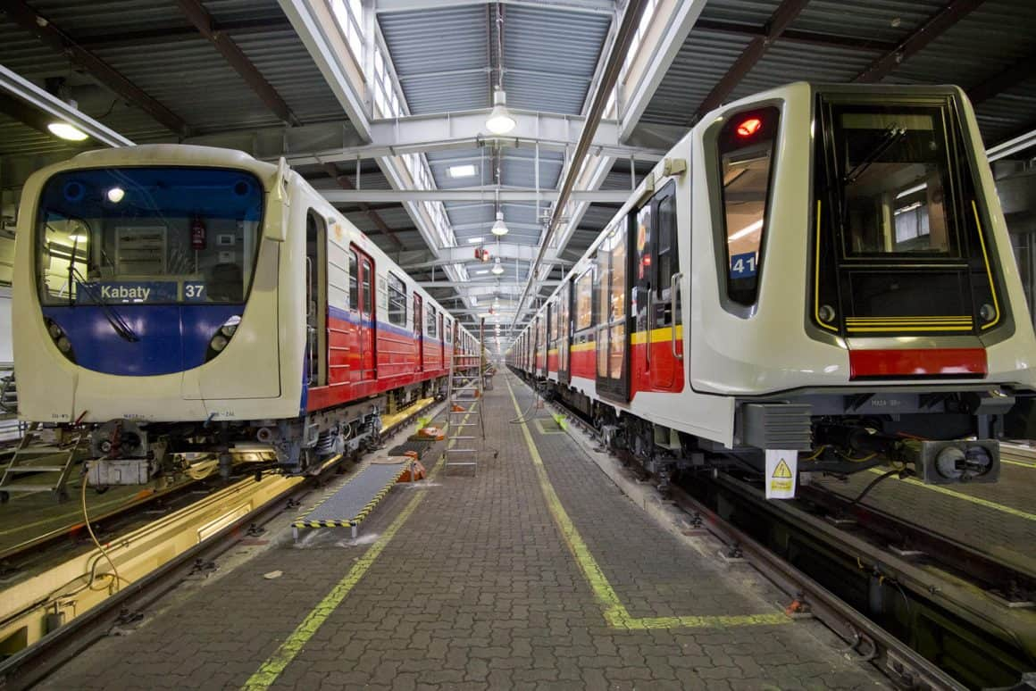 В субботу и воскресенье, 16 и 17 октября, запланированы ремонтные работы на линии метро М1. Поезда будут ходить только на отрезке Wilanowska – Młociny.